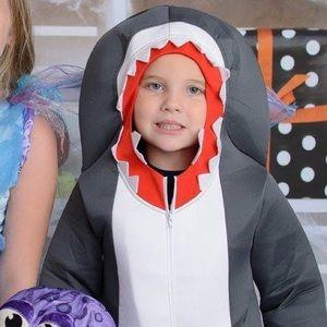 Sz 6 VGUC Chasing Fireflies Shark Costume